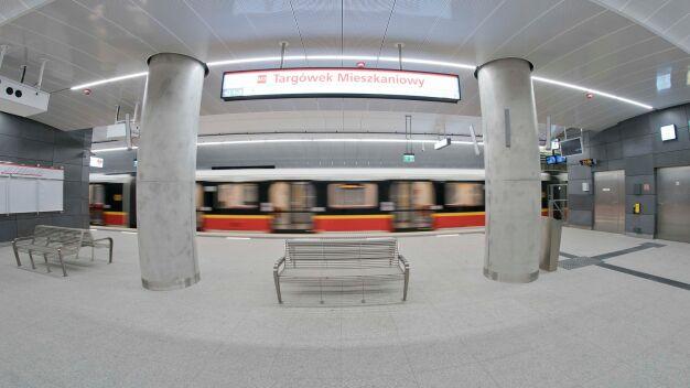 W południe metro dotrze na Targówek. Drugą linią pojedziemy za darmo