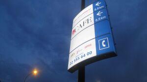 Loga firm na tablicach MSI. Informacja czy reklama?