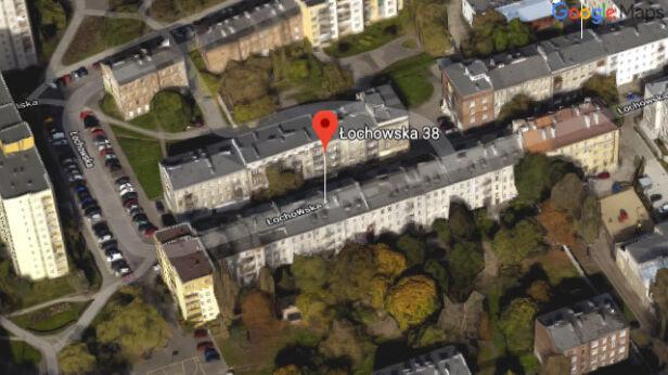 Chodzi o budynek przy Łochowskiej 38 Google Earth