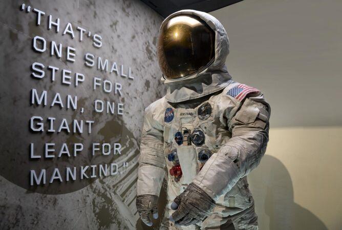 Skafander Neila Armstronga (NASA)